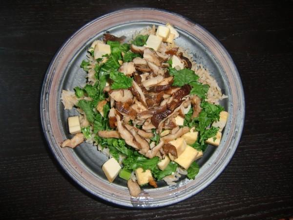 Shichimi mushrooms tofu and spinach over rice 600x450 Shichimi mushroom rice bowl