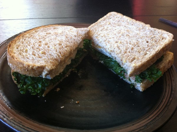 Umeboshi tofu and spinach sambo 600x448 Umeboshi, tofu and spinach sandwich